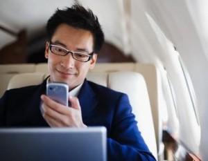Foto, uso teléfonos celulares en aviones